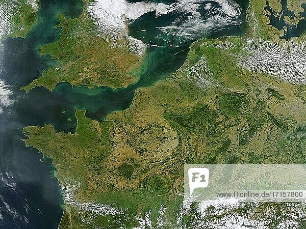 EARTH Western Europe -- 13 Sep 2002 -- This true-color MODIS image showcases Northern Europe. Shown are the United Kingdom  the Republic of Ireland  northern France  Belgium  Luxembourg  Western Germany  the Netherlands  Denmark  Sweden  and Norway. Many major cities are also visible -- Picture by Lightroom Photos / NASA.