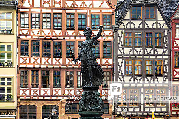 Germany  Frankfurt  Roemerberg  Fountain of Justice on old town square with half timbered houses