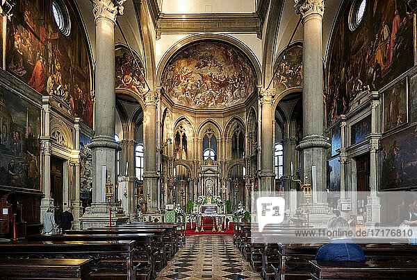 Innenaufnahme der Kirche Chiesa di San Zaccaria Venedig  Venetien  Italien |interior shot of church Chiesa di San Zaccaria  Venice  Veneto  Italy|