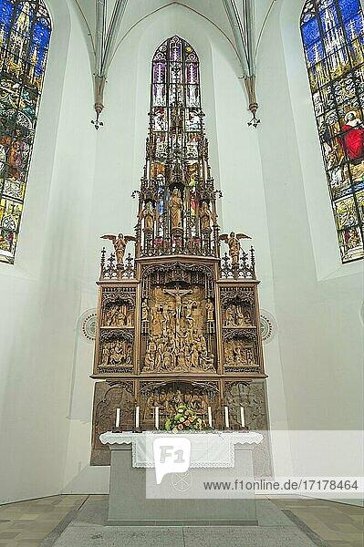 Geschnitzter Hauptaltar  St. Mang Kirche  Kempten  Allgäu  Oberschwaben  Schwaben  Bayern  Deutschland  Europa