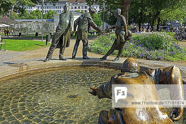 Kreislauf des Geldes  Geldbrunnen