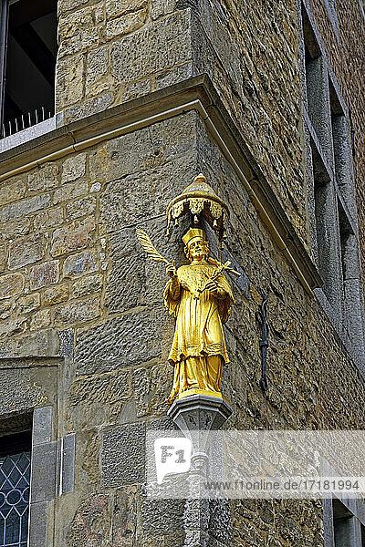 Haus Löwenstein  Nepomuk-Statue  Gold