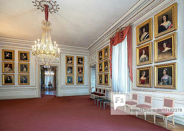 München. Deutschland  Die König-Ludwig-Galerie des Schlosses Nymphenburg