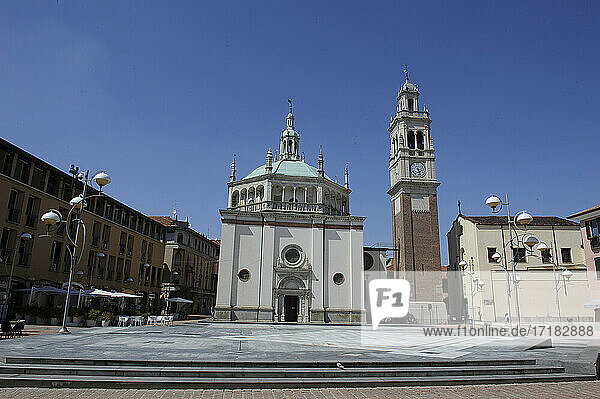 Europa  Italien  Lombardei  Varese Land  Busto Arsizio  Kathedrale  Basilika S. Giovanni Battista