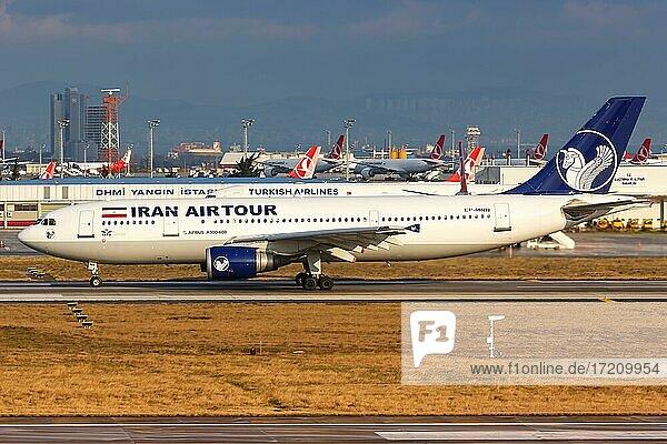 Ein Airbus A300-600 Flugzeug der Iran Airtour mit dem Kennzeichen EP-MNN auf dem Flughafen Istanbul  Türkei  Asien