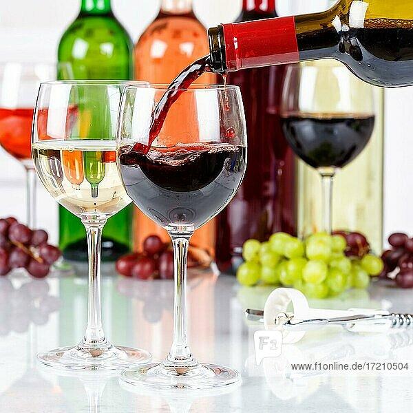 Wein einschenken eingießen Weinflasche Weinglas Rotwein Quadrat Flasche Alkohol