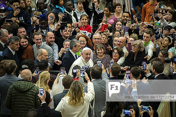 Pope francis paul vi hall