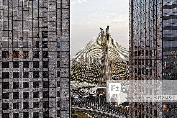 Brasilien  Brasil  Brazil  São Paulo  SP  Ponte Estaiada