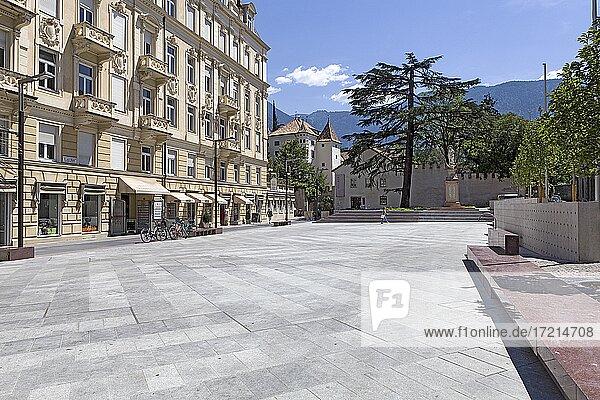 Suedtirol  Meran  Sued Tirol  South Tyrol  Alto Adige  Merano  Sandplatz  Piazza della Rena