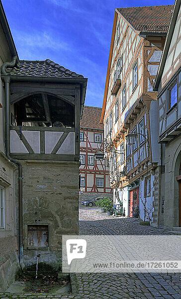 Klostergasse in der Altstadt von Bad Wimpfen im Kraichgau  Landkreis Heilbronn  Baden-Württemberg  Süddeutschland  Deutschland  Europa.