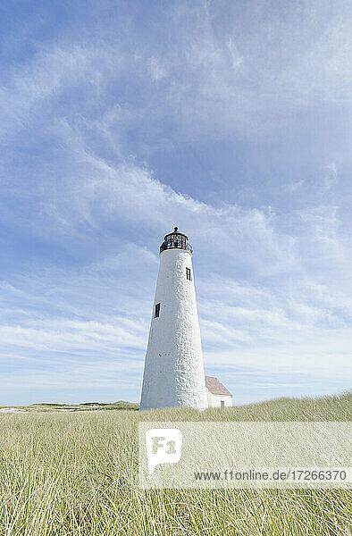 USA  Massachusetts  Cape Cod  Nantucket Island  Great Point Light gegen den Himmel