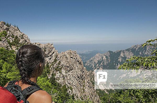 woman hiking at Seoraksan national park in Korea