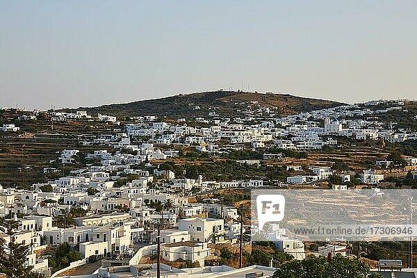 Blick auf Apollonia auf Sifnos  Kykladen  Griechenland  Europa