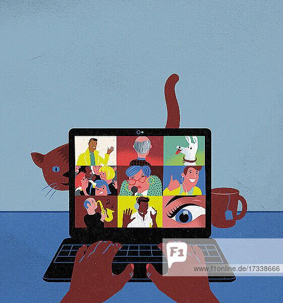 Frau hält Videokonferenz mit Gruppe über Laptop