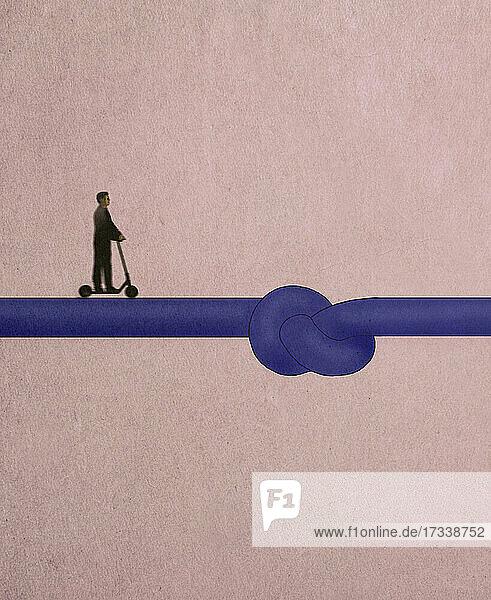 Geschäftsmann auf Motorroller nähert sich dem Knoten im Seil