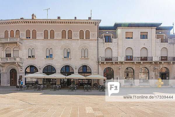 Croatia  Istria  Pula  Restaurant in Forum Square in old town