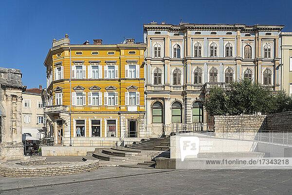 Croatia  Istria  Pula  Portarata Square in old town