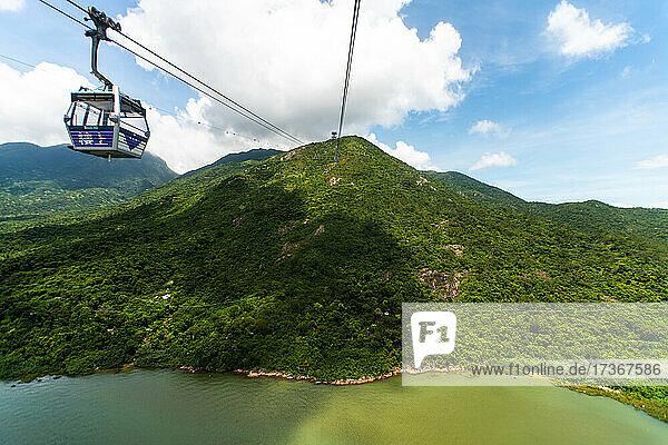Seilbahn in Richtung Lantau Island Seilbahn in Richtung Lantau Island