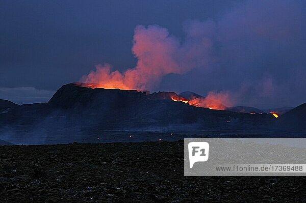 Lava flows from volcano  Fagradalsfjall  Reykjanes  Grindavik  Mid-Atlantic Ridge  Iceland  Europe Lava flows from volcano, Fagradalsfjall, Reykjanes, Grindavik, Mid-Atlantic Ridge, Iceland, Europe