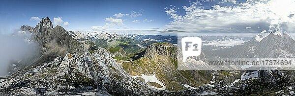 Mountain panorama  view from the summit of the western Törlspitze  left summit and ridge of the Partenkirchner Dreitorspitze and Zugspitze  right Wettersteinwand  Wetterstein Mountains  Garmisch Partenkirchen  Bavaria  Germany  Europe