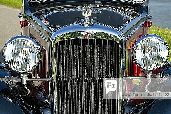 Oldtimer Hillman Minx year of construction 1933  3 gears  1.185 ccm capacity  4 cylinders  30 hp  950 kg weight  detail front  Austria  Europe