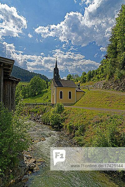 Landschaft  Fluß  Forstaubach  Kirche  Lourdeskapelle