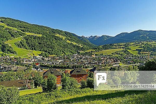 Landschaft  Blick auf Schladming  Ortsansicht