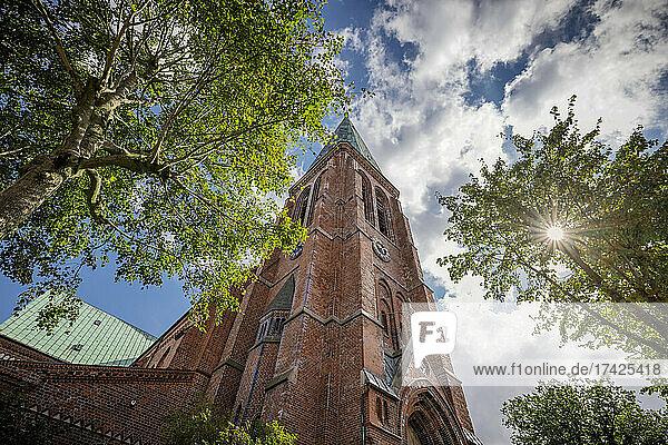 Im Volksmund wird die St. Johannes-Kirche in Meldorf auch > Meldorfer Dom genannt. sie gehört zu den bedeutendsten mittelalterlichen Sakralbauten an der schleswig-holsteinischen Westküste