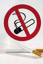 rauchen, rauchend, raucht, qualm, qualmend, qualmt ,einsteigen ,Zigarette ,Zeichen ,frontal ,2 ,Signal
