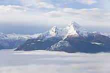 Wolken über schneebedeckte Berge, Mt Watzmann, Steinernes Meer, Berchtesgadener Alpen, Bayern, Deutschland