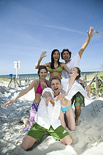 Freunden Spaß am Strand
