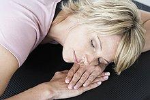 Frau ,Entspannung ,Yoga ,Matte