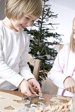 Weihnachtsgebäck,Produktion,2,Mädchen