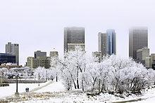 Innenstadt Winnipeg Skyline an einem frostigen Wintertag. Winnipeg, Manitoba, Kanada.