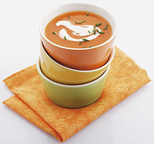 Kürbiscremesuppe in Suppenschale