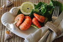 Salat mit Scampi