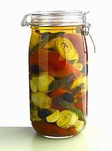 Eingelegtes Gemüse im Glas