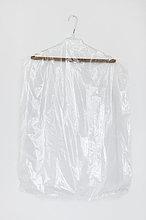 Kleidung ,weiß ,Hintergrund ,Kunststoff ,Kleiderbügel