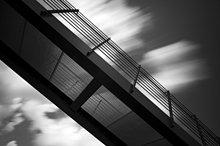 moderne Architektur, Detail einer Brücke