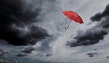 Wolke ,Regenschirm, Schirm ,Himmel ,fließen ,rot