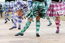 geselliges Beisammensein ,zeigen ,tanzen ,Spiel ,Pazifischer Ozean, Pazifik, Stiller Ozean, Großer Ozean ,Highlands ,schottisch