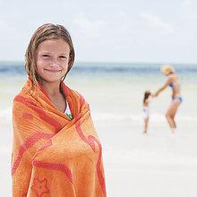 Strand ,Handtuch ,Mädchen ,umwickelt