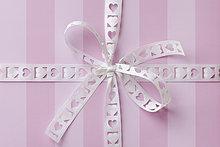 Geschenk ,Band, Bänder ,herzförmig, Herz