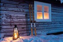 Außenaufnahme,Fenster,Beleuchtung,Licht,Gerät,Laterne - Beleuchtungskörper,Skisport,Kälte,Schnee