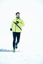 Mann ,rennen ,Schnee