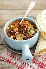 Chili Con Carne mit Tortilla