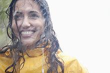 Frau ,lächeln ,Regen