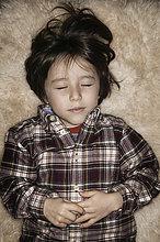 niedlich,süß,lieb,Junge - Person,schlafen,Teppichboden,Teppich,Teppiche