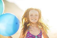 lächeln,Strand,Luftballon,Ballon,halten,Mädchen