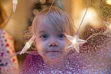 Fenster,Schwester,Weihnachten,Dekoration,hinaussehen